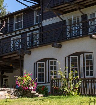 Dining Lake McDonald Lodge