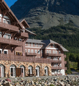 Lodging Many Glacier Hotel