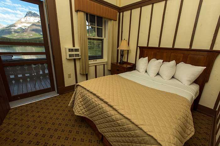 room-parkside-refurb-balcony