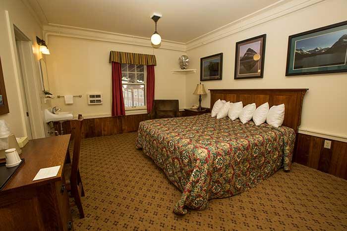 room-suite2