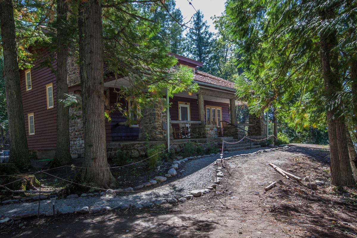 Cobb Suite Exterior
