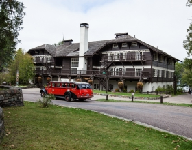Lake McDonald Lodge and Cabins exterior