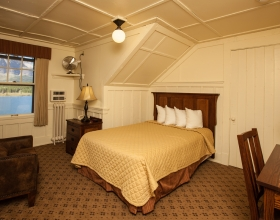 Many Glacier Hotel bedroom