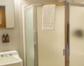 Motor Inn Bathroom