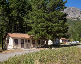 Rising Sun Motor Inn and Cabins exterior shot of cabin
