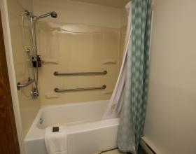 Village Inn at Apgar Room Bathroom
